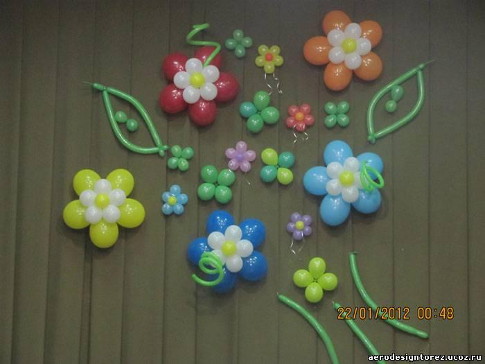 Цветы из шаров на стену своими руками 36